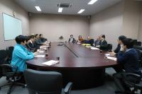 Representatives of SBS (right) meet with the delegation (left)
