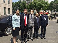 中大校長沈祖堯教授及醫學院院長陳家亮教授(右二)與寧波大學醫學院代表會晤