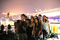 Students from Guangdong and Hong Kong take photos merrily near the programme end (Photo Credit: Mr Paco Cheung)