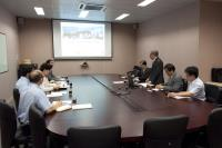 Prof. Chan Wai-yee (standing) introduces our School in the meeting on 20 May 2016