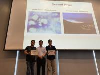 二等奖得主黄博胜先生(左)和涂泷泷先生(右)获陈活彝教授颁发奖状