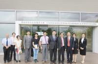 Group photo of Prof. Fung Kwok Pui (4th from right), Prof. Kenneth Lee (1st from left) and the delegation from Jinan University