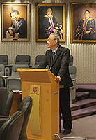 國立中央大學副校長李光華教授在會議上發言