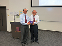 Prof. Henry Wong, Dean of Science presented a souvenir to Prof. Mou  Chung-Yuan, Division of Mathematics and Physical Science, AS