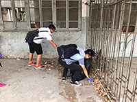 CUHK students help clear rubbish at Pukou, Nanjing