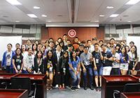 兩岸學生參觀立法會,與中大校友何啟明議員交流