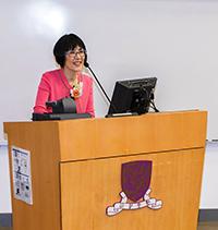 中大副校長及研討會學術顧問委員會主席張妙清教授在研討會開幕典禮上致詞