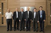 訪問團前往羅桂祥生物醫學大樓參觀,與生物醫學學院院長陳偉儀教授等會晤