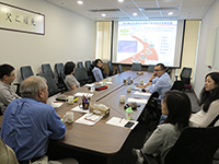 Prof. Tu King-Ning discusses collaboration projects with members of CUHK's Faculty of Engineering and SIAT