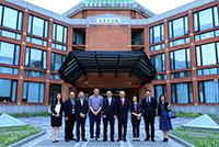 中大代表團成員參觀清華大學醫學院