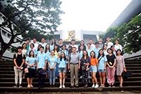 三校師生跟隨中大學生大使參觀校園(學生大使李子軒同學提供)