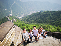 Be a good man on the Great Wall, while observing conservation of the surroundings