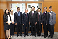 Professor Chan Wai-yee (fourth from left), Pro-Vice-Chancellor of CUHK, meets with delegates from CACM