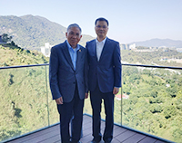 Professor Chan Wai-yee (left), Pro-Vice-Chancellor of CUHK poses a group photo with Mr. Chen Jian Rong, Deputy Director of Guangzhou Municipal Development and Reform Commission