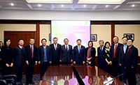 Representatives of CUHK and Tsinghua pose for a group photo