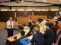 代表團與副校長鄭振耀教授會晤,了解中大最近發展
