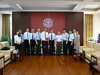 由中大校長沈祖堯教授(右七)率領的代表團,與上海交通大學張傑校長(右六)會晤。