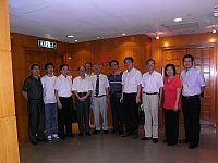 Prof. Leung Ping-chung (6th from right), Director of the Institute of Chinese Medicine meets with the delegation.
