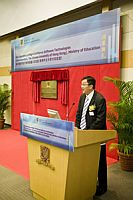 Prof. Wong Kam-fai, Professor of Department of Systems Engineering & Engineering Management gives an introduction to the Key Laboratory of High Confidence Software Technologies (Sub-Laboratory, the Chinese University of Hong Kong) Ministry of Education