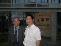 (from left) Prof. Chan and Prof. Zhou