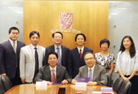 Prof. Jack Cheng (right, front row), Pro-Vice-Chancellor, Prof. Freedom Leung (3rd from right, back row), Dean of Students, Ms. Bonnie Kan (2nd from right, back row), College Secretary of Shaw College, and Ms. Wing Wong (1st from right, back row), Director of Office of Academic Links (China) meet with the delegation from Ningbo University