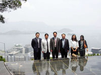 The delegation visits the campus