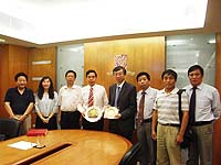 長安大學副校長趙均海教授(左四)與中大協理副校長馮通教授(右四)會晤