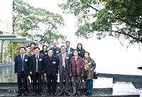 中科院院士代表團遊覽中大校園