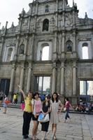The delegation visits Macau
