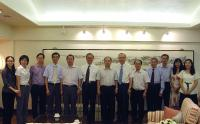 A group photo of delegation from the Health Department of Guangdong Province and CUHK representatives, including Prof. Jack C.Y. Cheng (6th from right), Prof. Fok Tai-fai (6th from left), Dr. Geng Qingshan (middle) and Prof. Chan Wai-yee (4th from right)