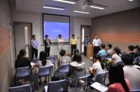 Our teaching staff members introduce their research topics to the newly admitted postgraduate students.