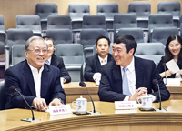Prof. Lu Yongxiang (left), Vice-Chairman, Standing Committee of the National People's Congress of the People's Republic of China and Prof. Joseph Sung (right), Vice-Chancellor of CUHK