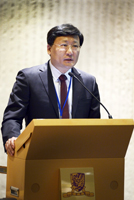 Prof. Luo Yong of the School of Life Sciences, Tsinghua University