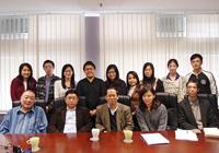 第五屆中國作家中大行:阿來先生(左二)和趙瑜先生(左一)又與中大中國語言及文學系的教授和學生會晤,進行學術交流