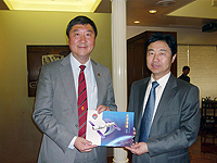 Prof. Joseph Sung (left), Vice-Chancellor of CUHK meets with Prof. BaiYanqiang (right), Vice Director of ACC