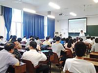 研究生課程說明會: 工程學院張元亭教授向內地學生介紹中大的工程學院研究生課程