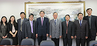 A delegation led by Prof. Huang Dawei (5th from right), Vice President of Southeast Universitymeets with Prof. Fok Tai-fai (4th from right), Pro-Vice-Chancellor of CUHK