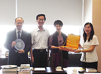 Prof. Yang Geng (2nd from left), Vice-President of Beijing Normal University and President of BNU Press meets with Prof. Michael Hui (1st from left), Pro-Vice-Chancellor of CUHK