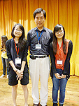 Wu Ta-You Science Camp: A photo of Priscilla (left) and Gladys (right), Psychology students of CUHK and Prof. Sun Wei-Hsin, astronomer in Taiwan