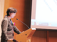 Prof. Li Lanjuan, Director of the State Key Laboratory for Infectious Diseases Diagnosis and Treatmentgives keynote speeches at the Symposium