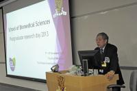 Prof. Chan Wai-yee, SBS Director, gives a welcoming remark