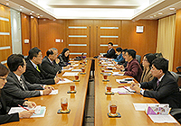The delegation from Zhongshan Municipal Government meets with CUHK representatives to explore collaboration opportunity
