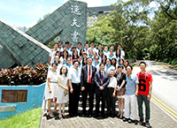 Prof. Joseph Sung, Vice-Chancellor of CUHK meets with the participating students during the Hong Kong-Ningbo Student Interflow Program