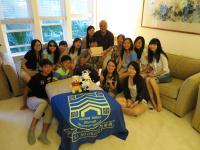 學生拜訪辛院長在夏威夷的家