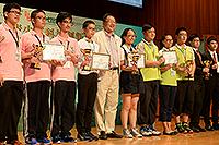 創新科技中心主任黃錦輝教授代表大學頒獎予獲獎同學並出席閉幕典禮