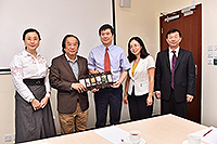 Delegates from Beijing Tsinghua Changgung Hospital meeting with Prof. Ng Ho Keung, Acting Dean of the Faculty of Medicine