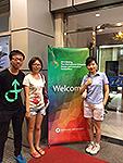 本處駐北京聯絡員楊莉女士與參加本處活動的中大學生合照
