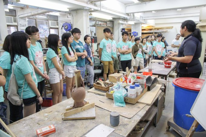 Students in Workshop Safety arranged by the Department of Fine Arts