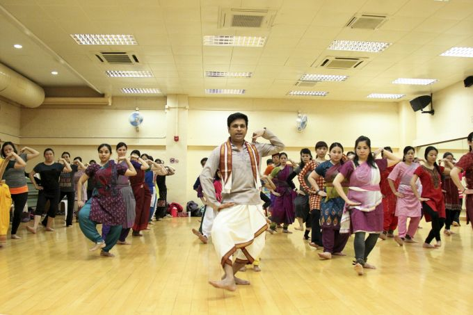 Interculturalism in Hong Kong: Master Hari Om teaching a kuchipudi dance class in which over 90% were Chinese students.